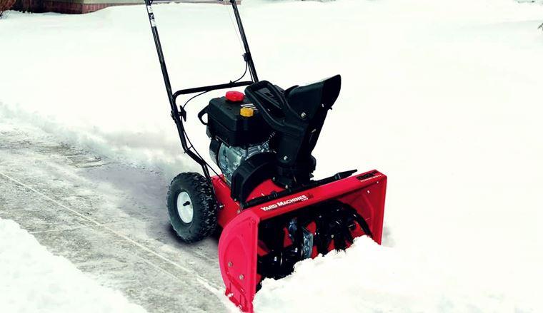 Снегоуборочная машина для дома особенности выбора техники для дачи рейтинг лучших снегоуборщиков Как выбрать роторный малогабаритный снегоочиститель для частного дома